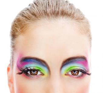 https://cf.ltkcdn.net/makeup/images/slide/87930-496x447-fluor_eye2.jpg