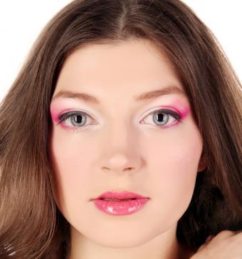 https://cf.ltkcdn.net/makeup/images/slide/87933-558x595-fluor_eye5.jpg