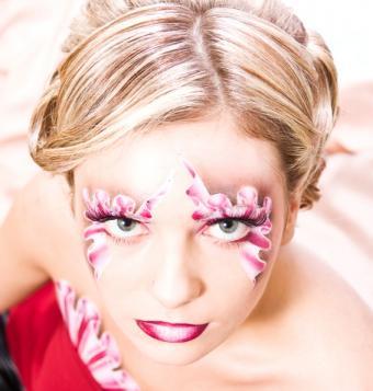 https://cf.ltkcdn.net/makeup/images/slide/87984-566x595-bold6.jpg