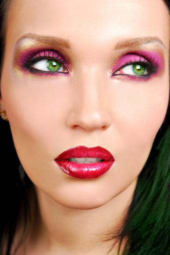 https://cf.ltkcdn.net/makeup/images/slide/87996-567x847-iStock_000004963445Small.jpg