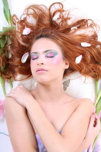 https://cf.ltkcdn.net/makeup/images/slide/88107-566x848-fairy4.jpg