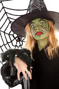 Scary green witch makeup