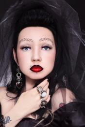 dark bride makeup