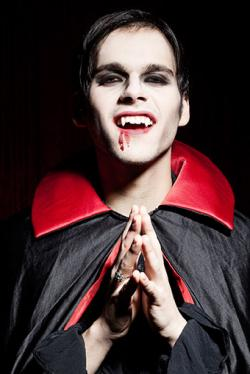 How to do halloween vampire face makeup foolproof mens vampire makeup tips solutioingenieria Choice Image