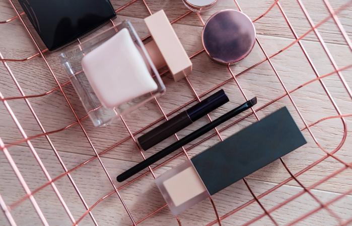 DIY Makeup Organizer