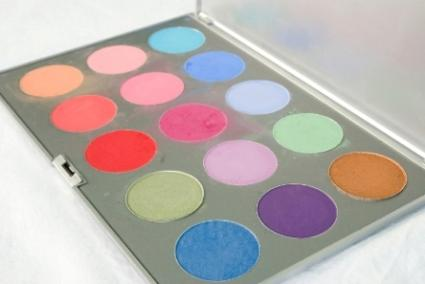 Colorful_eyeshadows.jpg