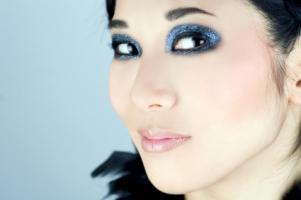 Glitter_on_eyes.jpg