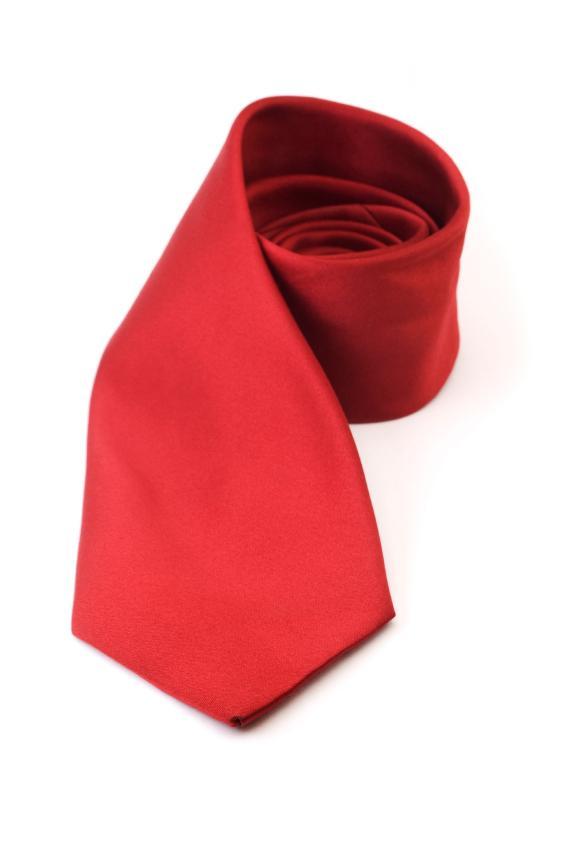 https://cf.ltkcdn.net/mens-fashion/images/slide/129027-565x850r1-Red.jpg