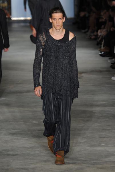 https://cf.ltkcdn.net/mens-fashion/images/slide/130586-402x600r1-Rag-black.jpg