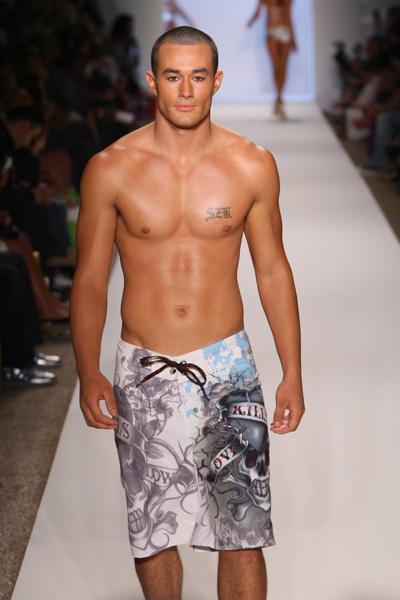 https://cf.ltkcdn.net/mens-fashion/images/slide/159756-400x600-Edhardy2.jpg