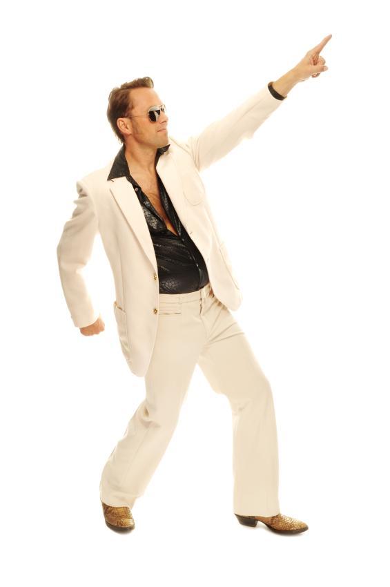 https://cf.ltkcdn.net/mens-fashion/images/slide/168492-565x850-Disco-suit.jpg