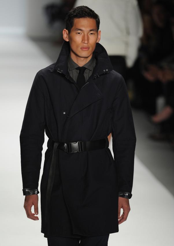 https://cf.ltkcdn.net/mens-fashion/images/slide/198896-602x850-designer1_primarycrop.jpg
