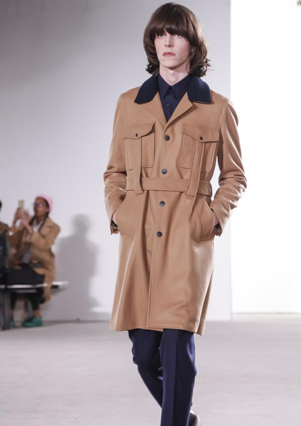 https://cf.ltkcdn.net/mens-fashion/images/slide/198897-602x850-designer14_casualcrop.jpg