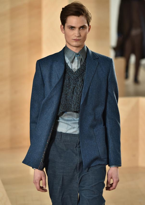 https://cf.ltkcdn.net/mens-fashion/images/slide/198912-602x850-designer09_tonedcrop.jpg