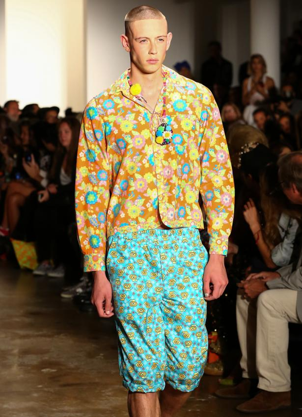 https://cf.ltkcdn.net/mens-fashion/images/slide/199724-615x850-casual2_colorcrop.jpg