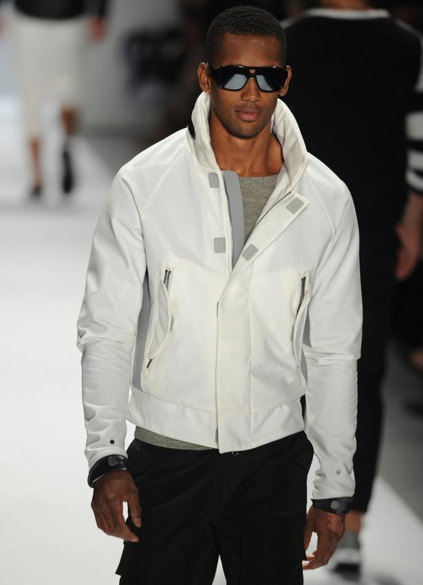 https://cf.ltkcdn.net/mens-fashion/images/slide/199728-615x850-casual5_anywherecrop.jpg