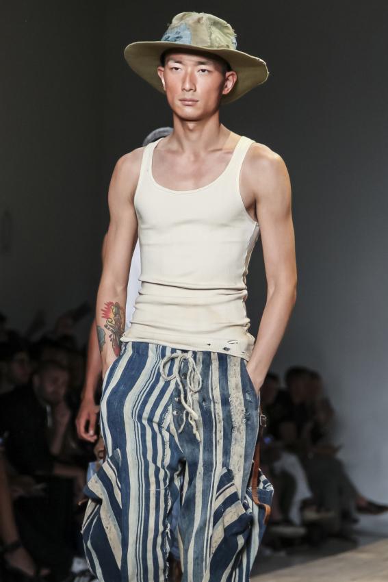 https://cf.ltkcdn.net/mens-fashion/images/slide/202660-567x850-summer04.jpg