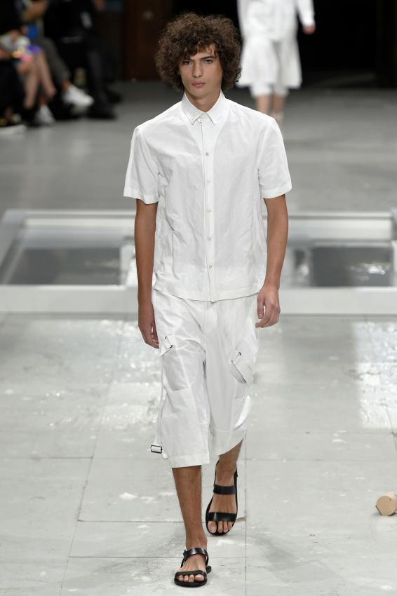 https://cf.ltkcdn.net/mens-fashion/images/slide/202667-566x850-summer11_adj.jpg