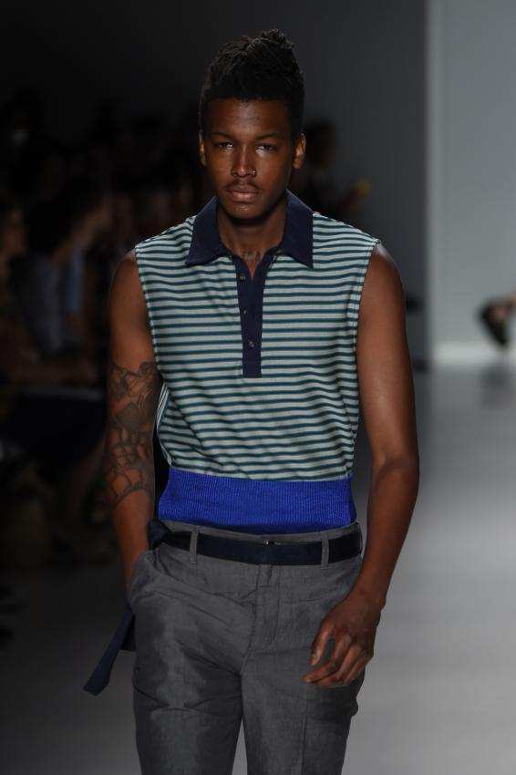 https://cf.ltkcdn.net/mens-fashion/images/slide/207019-566x850-80smanshirt4.jpg