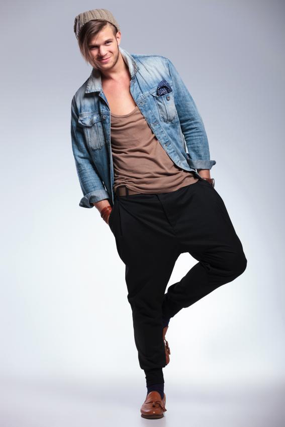 https://cf.ltkcdn.net/mens-fashion/images/slide/207028-567x850-slouchypants.jpg