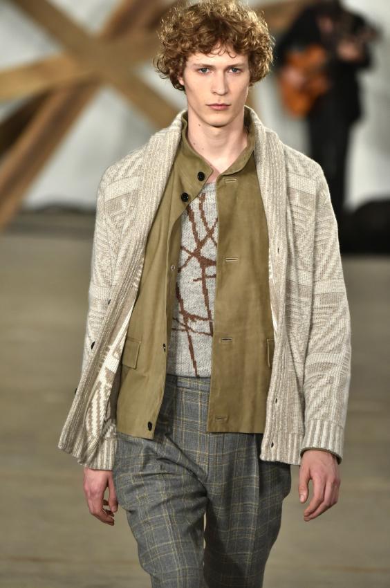 https://cf.ltkcdn.net/mens-fashion/images/slide/207036-564x850-cardigan.jpg