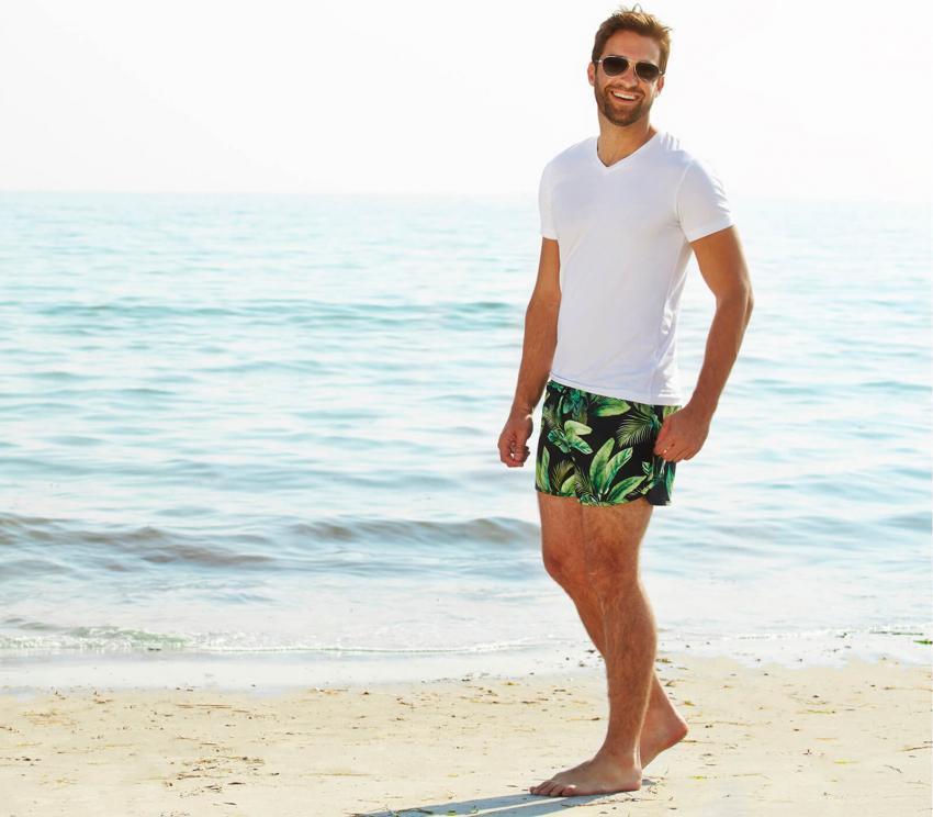 https://cf.ltkcdn.net/mens-fashion/images/slide/253990-850x744-1-hot-guys-shorts.jpg