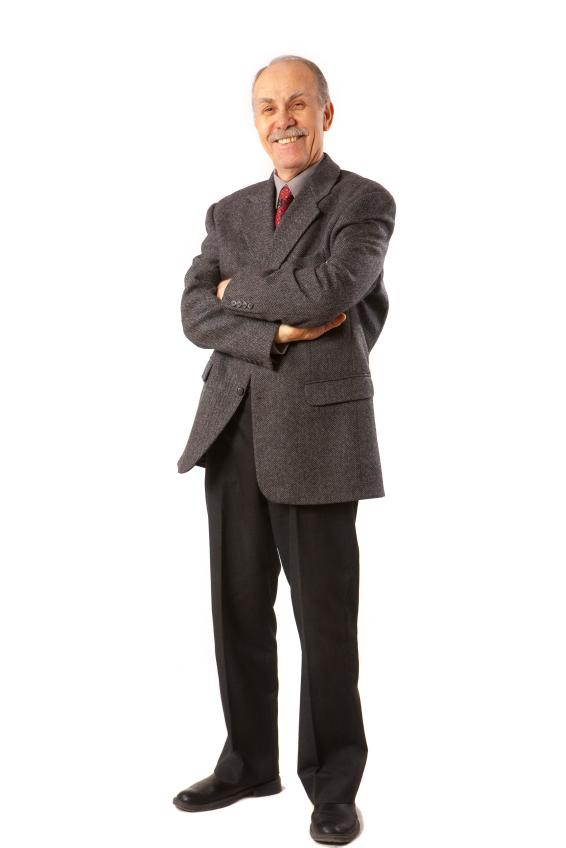 https://cf.ltkcdn.net/mens-fashion/images/slide/49038-566x848-iStock_000008838408Small.jpg
