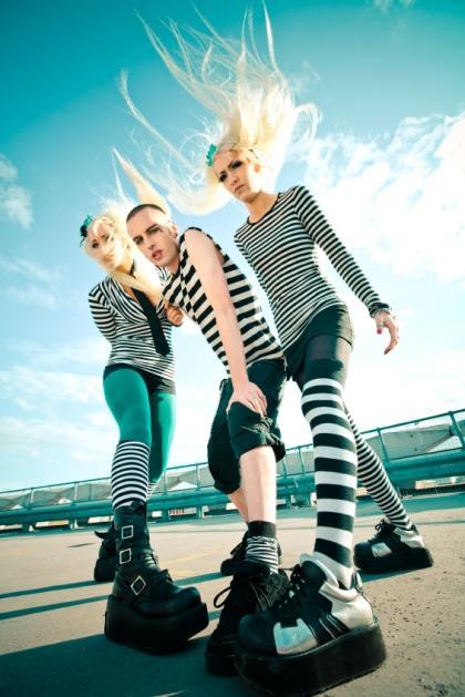 https://cf.ltkcdn.net/mens-fashion/images/slide/49078-420x629-Men_punk3.jpg