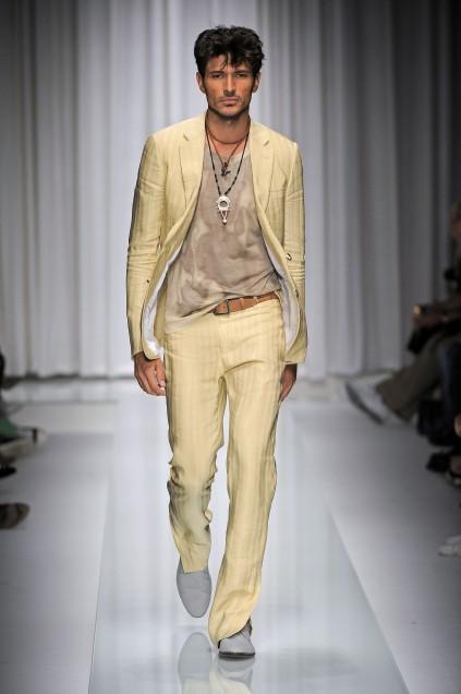 https://cf.ltkcdn.net/mens-fashion/images/slide/49134-423x636-men-suit4.jpg