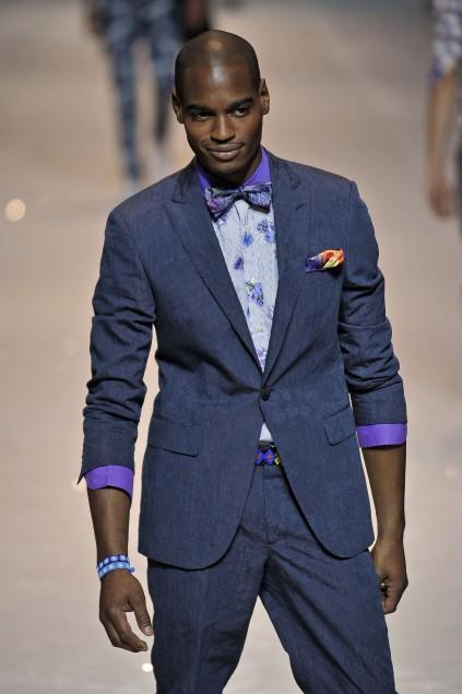 https://cf.ltkcdn.net/mens-fashion/images/slide/49136-423x635-men-suit7.jpg