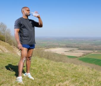 very short men's running short