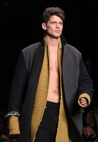 https://cf.ltkcdn.net/mens-fashion/images/slide/197597-589x850-80s2_collarcrop.jpg