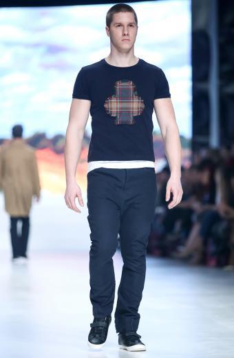 https://cf.ltkcdn.net/mens-fashion/images/slide/198297-555x850-jeans5_darkcrop.jpg