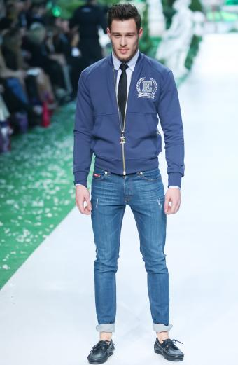 https://cf.ltkcdn.net/mens-fashion/images/slide/198299-555x850-jeans4_elfcrop.jpg