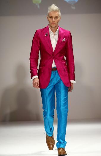 https://cf.ltkcdn.net/mens-fashion/images/slide/198596-555x850-mens5_colorcrop.jpg