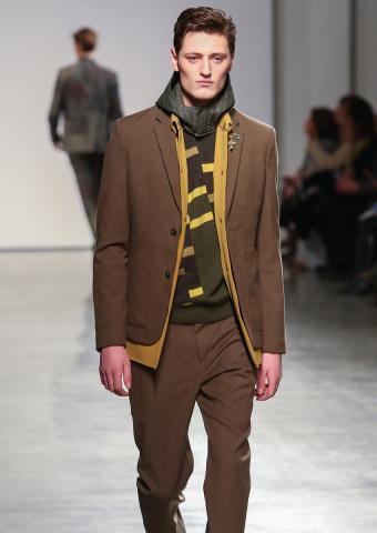 https://cf.ltkcdn.net/mens-fashion/images/slide/198898-602x850-designer02_colorcrop.jpg