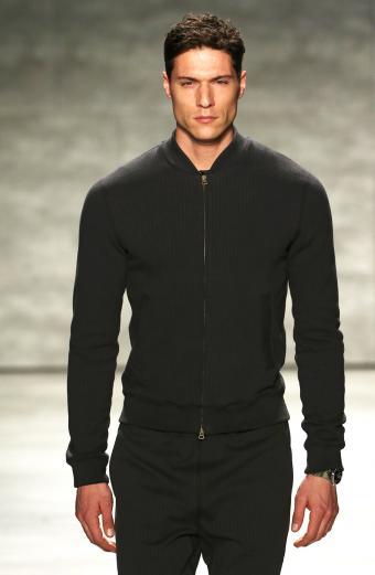 https://cf.ltkcdn.net/mens-fashion/images/slide/199540-554x850-cardigan2_sleekcrop.jpg