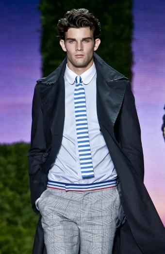 https://cf.ltkcdn.net/mens-fashion/images/slide/199549-554x850-ties2_contrastcrop.jpg