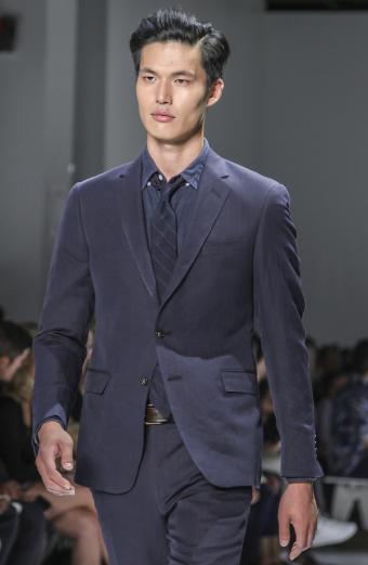 https://cf.ltkcdn.net/mens-fashion/images/slide/199551-554x850-ties4_tonecrop.jpg