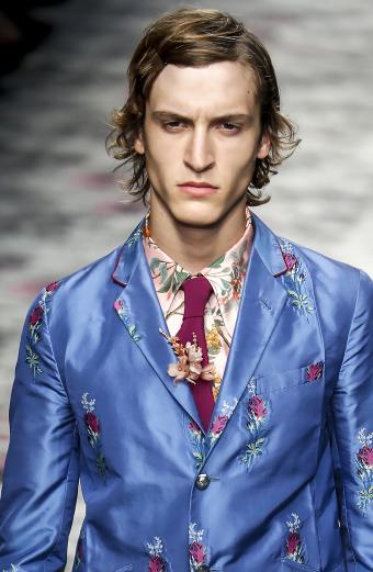 https://cf.ltkcdn.net/mens-fashion/images/slide/199555-554x850-ties8_guccicrop.jpg