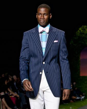 https://cf.ltkcdn.net/mens-fashion/images/slide/199613-680x850-suits6_funcrop.jpg