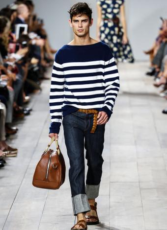 https://cf.ltkcdn.net/mens-fashion/images/slide/199729-615x850-casual6_denimcrop.jpg