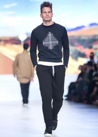 https://cf.ltkcdn.net/mens-fashion/images/slide/202407-610x850-casual_crop.jpg