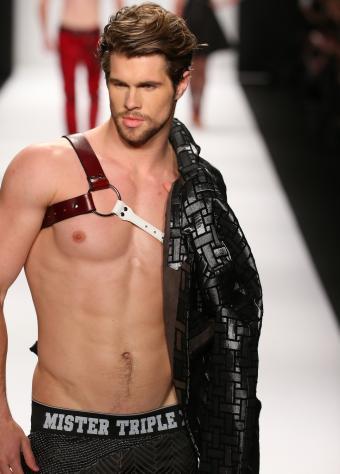 https://cf.ltkcdn.net/mens-fashion/images/slide/202413-610x850-malemodel2_crop.jpg