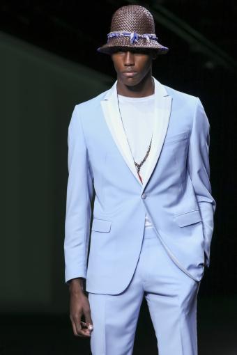 https://cf.ltkcdn.net/mens-fashion/images/slide/202665-567x850-summer09_adj.jpg