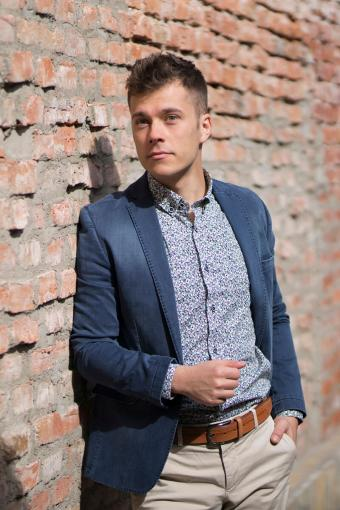 Playful patterned shirt with solid jacket