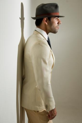 https://cf.ltkcdn.net/mens-fashion/images/slide/49024-420x627-iStock_000008670544Small.jpg