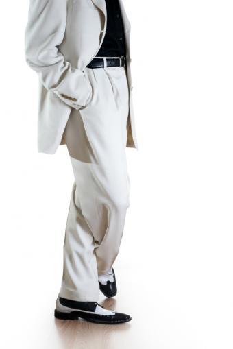 https://cf.ltkcdn.net/mens-fashion/images/slide/49049-566x848-iStock_000006047923Small.jpg