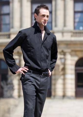 https://cf.ltkcdn.net/mens-fashion/images/slide/49051-583x823-iStock_000000724455Small%5B1%5D.jpg