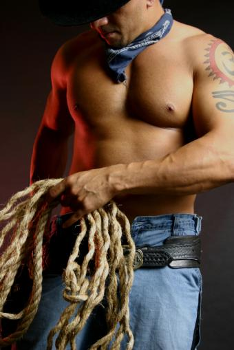 https://cf.ltkcdn.net/mens-fashion/images/slide/49353-566x848-CowboyRope.jpg